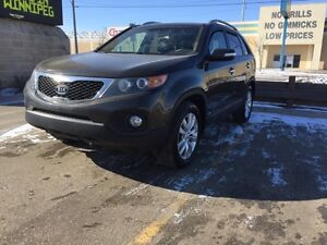 2011 Kia Sorento SUV AWD leather seats and panoramic roof!!