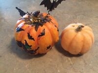 VARIED HALLOWEEN PUMPKIN DECORATIONS