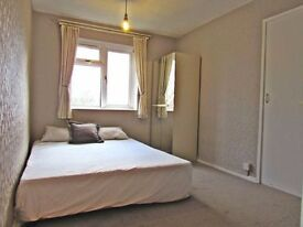 Two bedroom flat in Loughton- Short or Long term- Available now