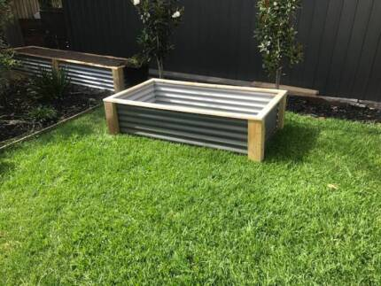 Raised Garden Bed/ Planter Box/ Vegie garden Woodlands grey  Appr