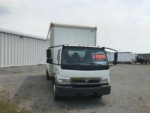 CAMION CUBE 21PIED  INTER CF-600 2007