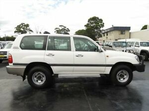 2002 Toyota Landcruiser FZJ105R GXL (4x4) White 5 Speed Manual 4x4 Wagon Condell Park Bankstown Area Preview