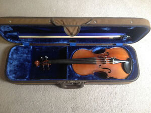 French Copy of Stradavarius Violin With  Albert Nürnberger Bow