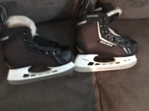 Toddler size US8 and US9 Bauer Skates