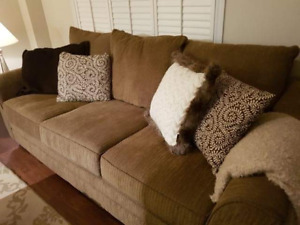 Oversized couch and oversized love seat