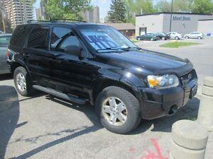 2006 Ford Escape Ltd. AWD!