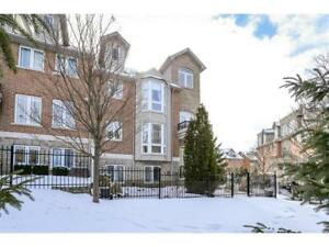 Luxury Townhome - Downtown Galt