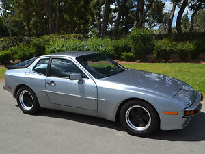 84-Porsche-944-Sapphire-Metallic-Black-Interior-2-5-liter-150hp-4-cyl-5-speed