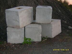 recherche bloc de ciment pour muret industriel et commercial ,