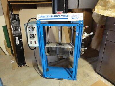 Industrial Plastic Injection Molding Machine Amatrol T9013-p