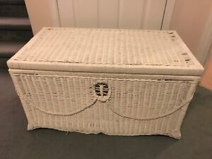 LARGE WICKER STORAGE HOPE CHEST