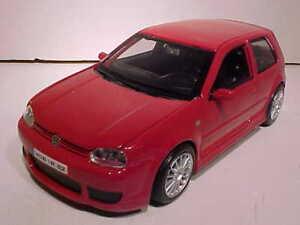 VW Volkswagen Golf R32 GTI Die-cast Car 1:24 Maisto 7 inches Red NO BOX