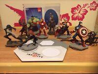 Disney infinity 2.0 on ps3 plus 8 figures
