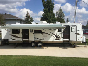 Rockwood Signature Ultra Lite 8306SS Trailer with Two Bedrooms