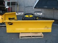 snow plow fisher 8'11 one yers old