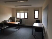 1-4 desk in Slateford w. parking (258 sq ft)