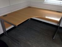 Radial / corner office desk - very good condition - Leeds LS28