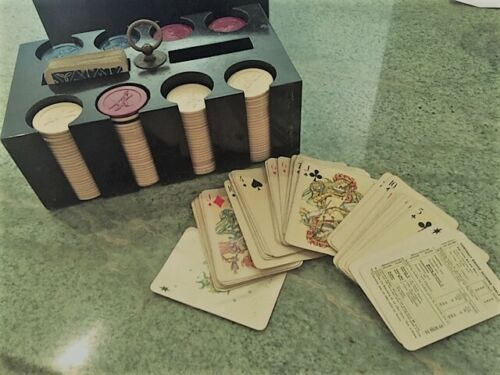 POKER VINTAGE SET includes CHIPS & 2 HERACLIO FOURNIER CARD DECKS