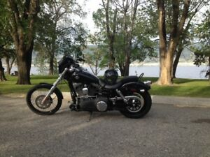 2012 FXDWG in excellent condition with extras