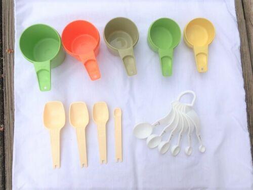 Vintage Tupperware Measuring Cups Measuring Spoons Lot of 15 Ergonomic Spoon Set