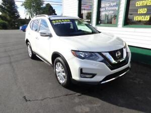 2018 Nissan Rogue SV AWD w/ pano roof only $228 bi-weekly!