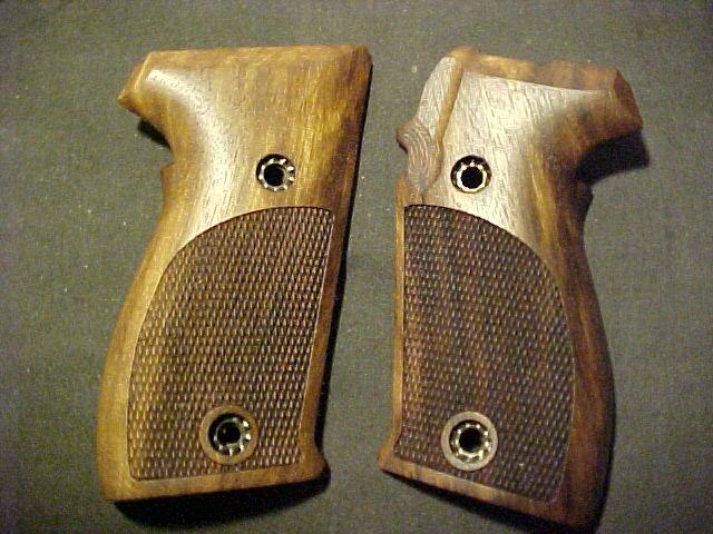 SIG SAUER P225 P6  Fine English Walnut Fancy Checkered Pistol Grips NEW!
