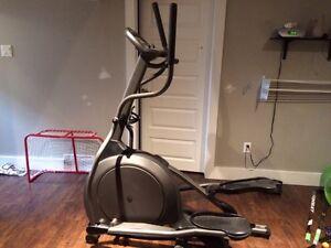 Elliptique Vision Fitness 1500
