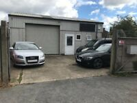 Warehouse with office space to rent - approx 740sq ft
