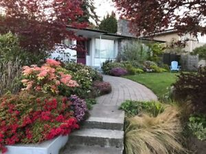Spacious furnished bedroom near UVIC - OAK BAY HOME