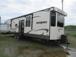 Fall leftover clear out special!!! 2016 Residence 4061FB