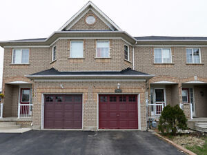 Freehold Townhouse! Great Location 3 bedrooms, Finished basement
