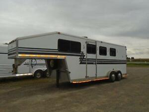 1998 Powerhorse 3+1 Horse Slant Gooseneck Dress Room Aluminum