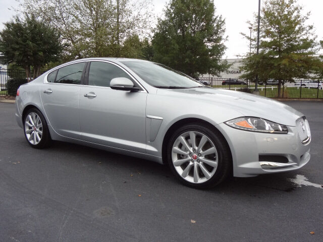 XF 3.0 AWD Portfolio and Premium Packages Certified
