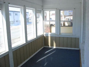 Central 3 Bedroom with laundry, parking, all inclusive. Oct 1st