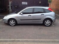 BREAKING FORD FOCUS PETROL SILVER (ALL PARTS AVAILABLE!!!)