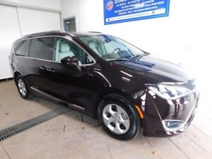 2017 Chrysler Pacifica Touring-L Plus LEATHER NAVI