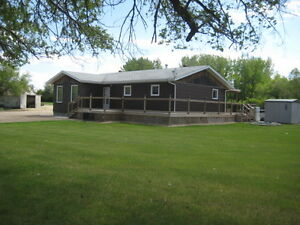 Well Established Acreage just minutes from Kindersley