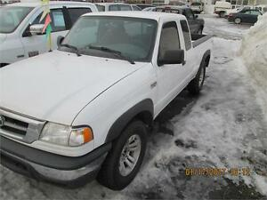 Mazda B-Series Pickup Cab Plus 4.0L 4WD SE 2006