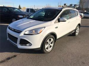 2015 Ford Escape SE 4WD **WARRANTY/NO ACCIDENTS/ 1-OWNER**