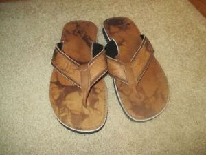 BRAND NEW LEATHER MAN SLIPPER NEVER USED CALL 519-673-9819 London Ontario image 1