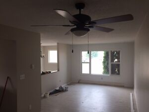 $1200/mo - Newly renovated 3 bedroom, 1 bathroom upstairs suite