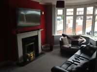 1 Double, 1 single room for rent in big house with drive and garden