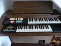 Organ, Make: Hammond, Model: 123J12 Condition: Good, please see photos.