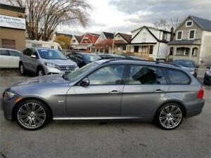 2010 BMW 3 Series 328i xDrive wagon with nav panoramic roof
