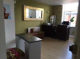 Shop to rent ladies hairdresser & Beauty salon tattoo studio startup Blackburn business to rent