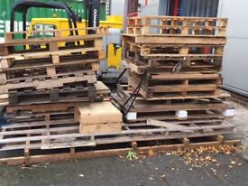 PALLETS *FREE TO COLLECT*