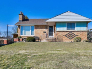 HELP!! MISSISSAUGA POWER OF SALES HOME***MUST SELL IN 30 DAYS!!