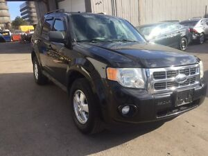 2010 FORD ESCAPE WITH LEATRES COMES SAFETY AND E-TESTED
