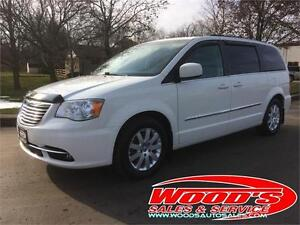 2013 CHRYSLER TOWN AND COUNTRY TOURING Belleville Belleville Area image 1