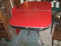 VINTAGE RED ARBORITE  TABLE  CIRCA  1950 with a leaf